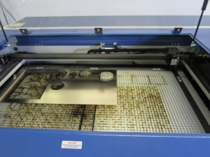Laser cutting of the material plastic